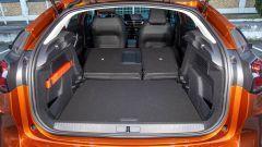 Citroen C4 PureTech 130 S&S EAT8 Shine: il vano bagagli capiente ma con soglia di accesso un po' alta