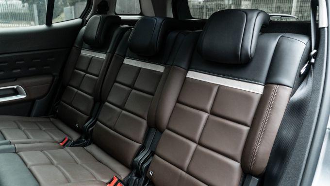 Citroen C5 Aircross Hybrid 2021, interni: l'abitacolo posteriore