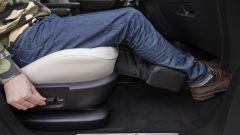 Citroen Grand C4 Picasso: il sostegno per le gambe del sedile passeggero