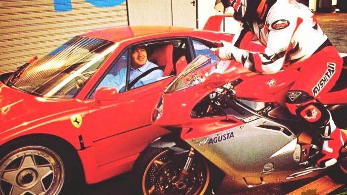 Claudio Castiglioni sulla sua Ferrari F40 arriva a Monza per vedere la sua MV Agusta F4 750 in azione tra i cordoli del Circuito