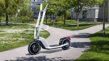 Clever Commute, il concept di monopattino elettrico di BMW