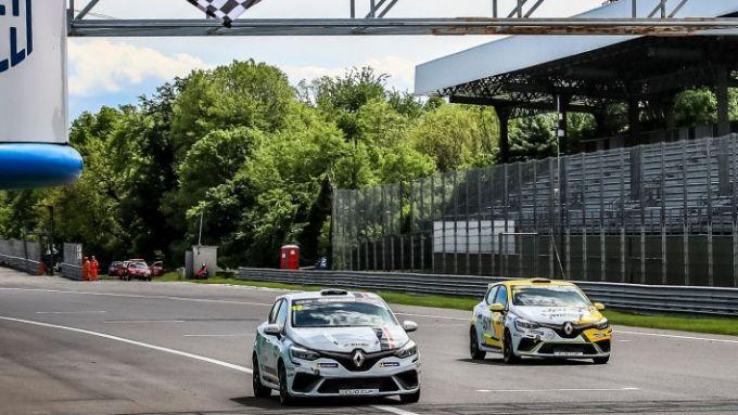 Clio Cup Europe 2021, Monza: in gara-2 Torelli si impone su Pouget