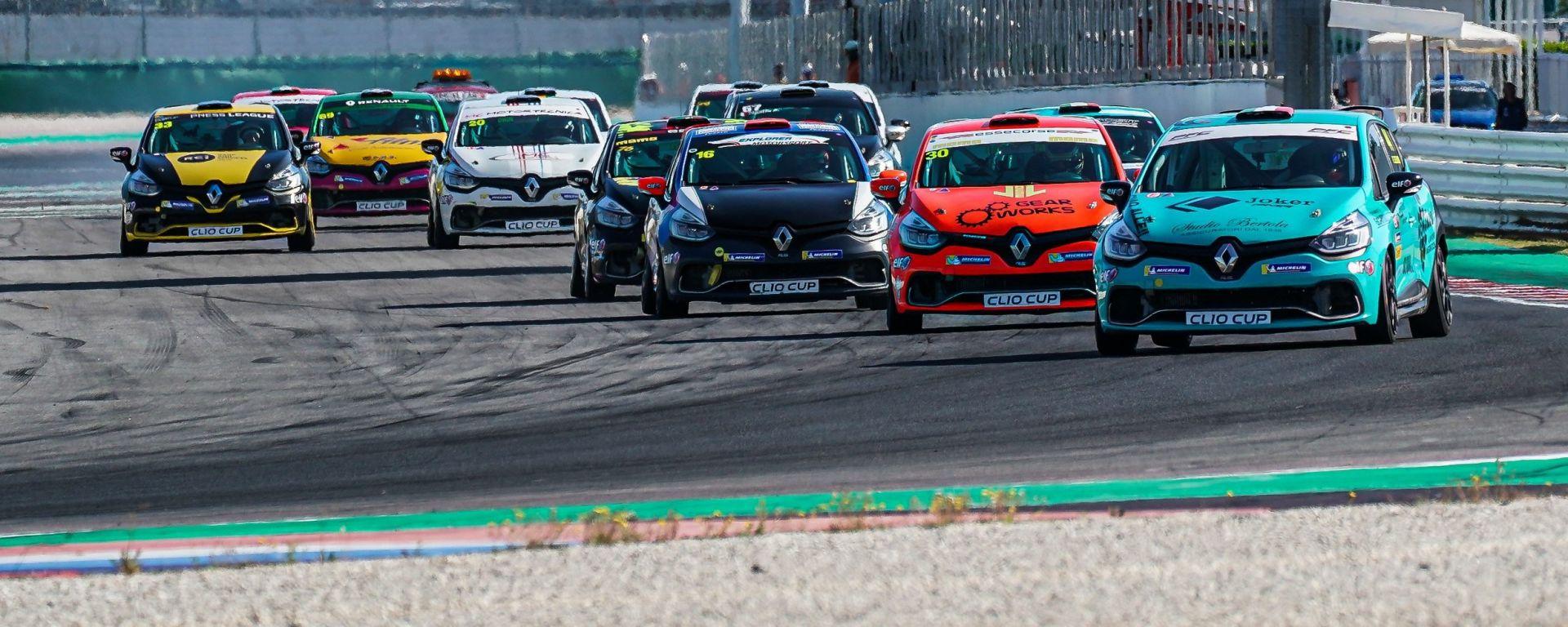 Clio Cup Italia 2019, Jelmini davanti a tutti allo start di Gara-1