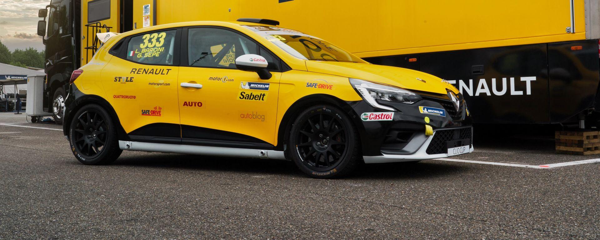 Clio Cup Italia 2021, l'auto utilizzata per la Press League