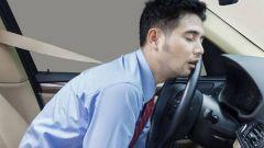 Come prevenire il colpo di sonno in 10 mosse. I consigli per combatterlo