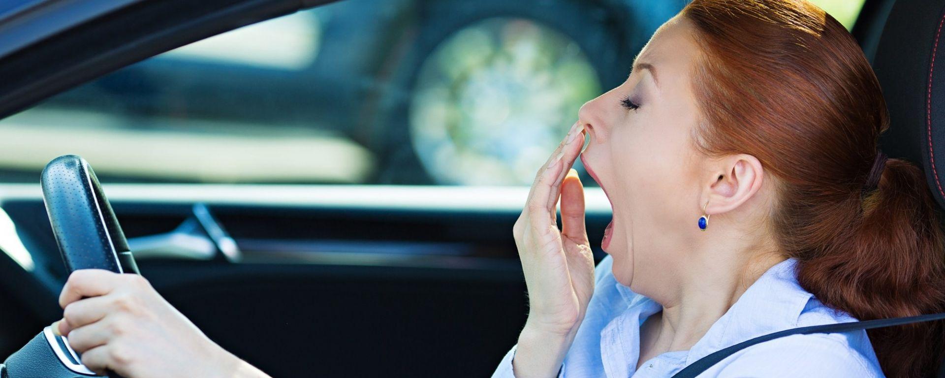 Colpo di sonno, spesso all'origine è il fenomeno delle apnee notturne