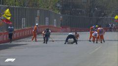 Commissari al lavoro sul tombino di Baku