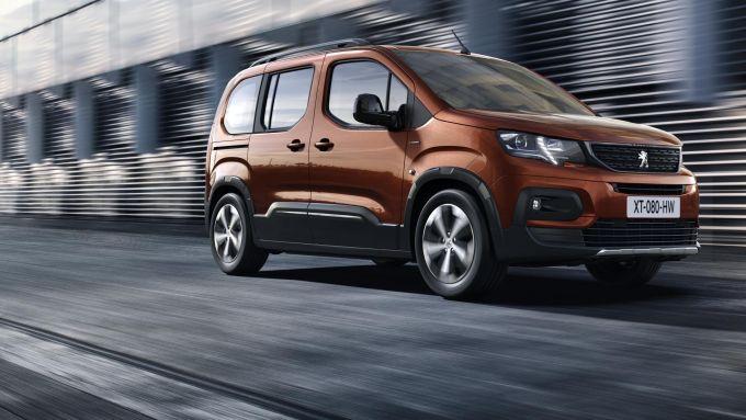 Comparativa auto 7 posti 25mila euro: il Peugeot Rifter