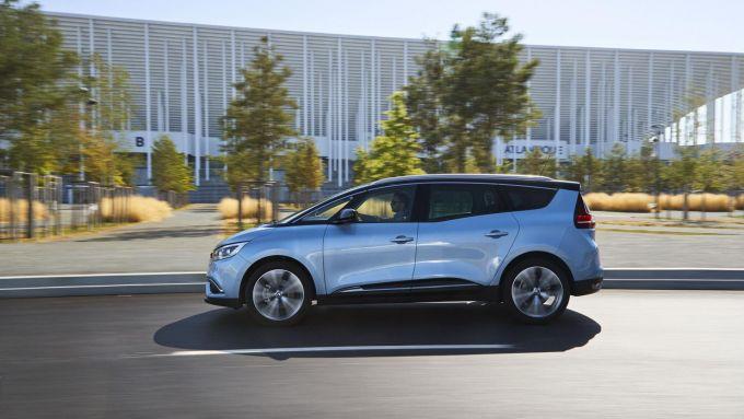 Comparativa auto 7 posti 25mila euro: la Renault Grand Scénic