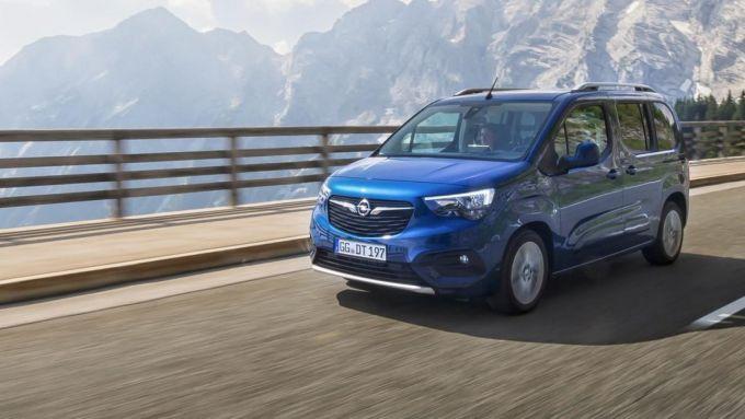 Comparativa auto 7 posti 25mila euro: l'Opel Combo Life