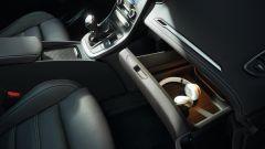 Comparativa auto 7 posti a 25mila euro: il cassetto portaoggetti scorrevole di Renault Grand Scénic