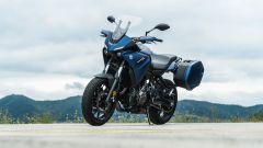 Comparativa crossover: Yamaha Tracer 700 3/4 anteriore