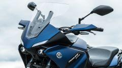 Comparativa crossover: Yamaha Tracer 700, il cupolino è regolabile in movimento