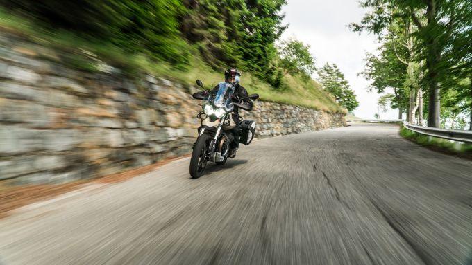 Comparativa enduro stradali da viaggio: Moto Guzzi V85TT Travel