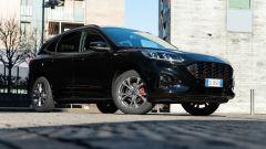 Comparativa Ford Kuga vs Hyundai Tucson: la Kuga di 3/4 anteriore