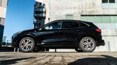 Comparativa Ford Kuga vs Hyundai Tucson: la Kuga vista di lato