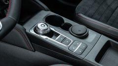 Comparativa Ford Kuga vs Hyundai Tucson: la rotellona del cambio automatico sulla Kuga