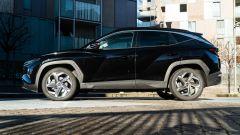Comparativa Ford Kuga vs Hyundai Tucson: la Tucson vista di lato