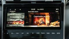 Comparativa Ford Kuga vs Hyundai Tucson: sulla coreana potete accendere il caminetto grazie all'infotainment