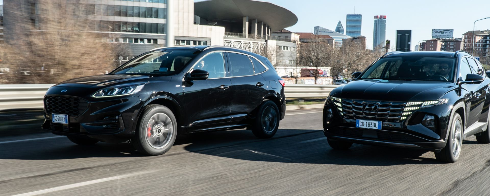 Comparativa Ford Kuga vs Hyundai Tucson: SUV full-hybrid a confronto
