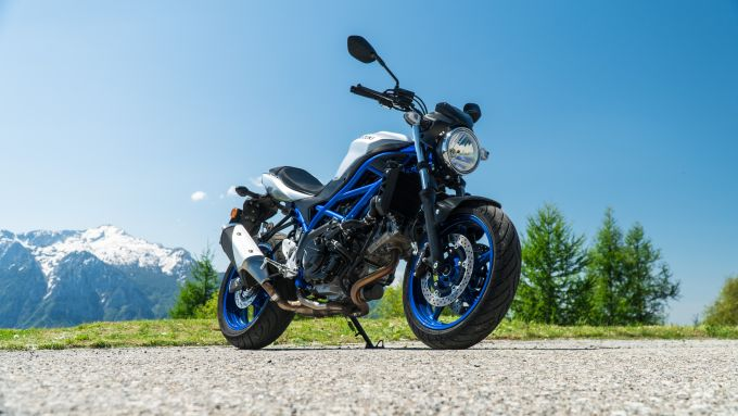 Comparativa naked medie: Suzuki SV 650