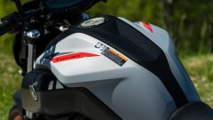 Comparativa naked medie: Yamaha MT-07, dettaglio del serbatoio