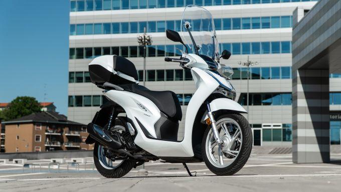 Comparativa scooter 150: Honda SH 150 2020, 3/4 anteriore