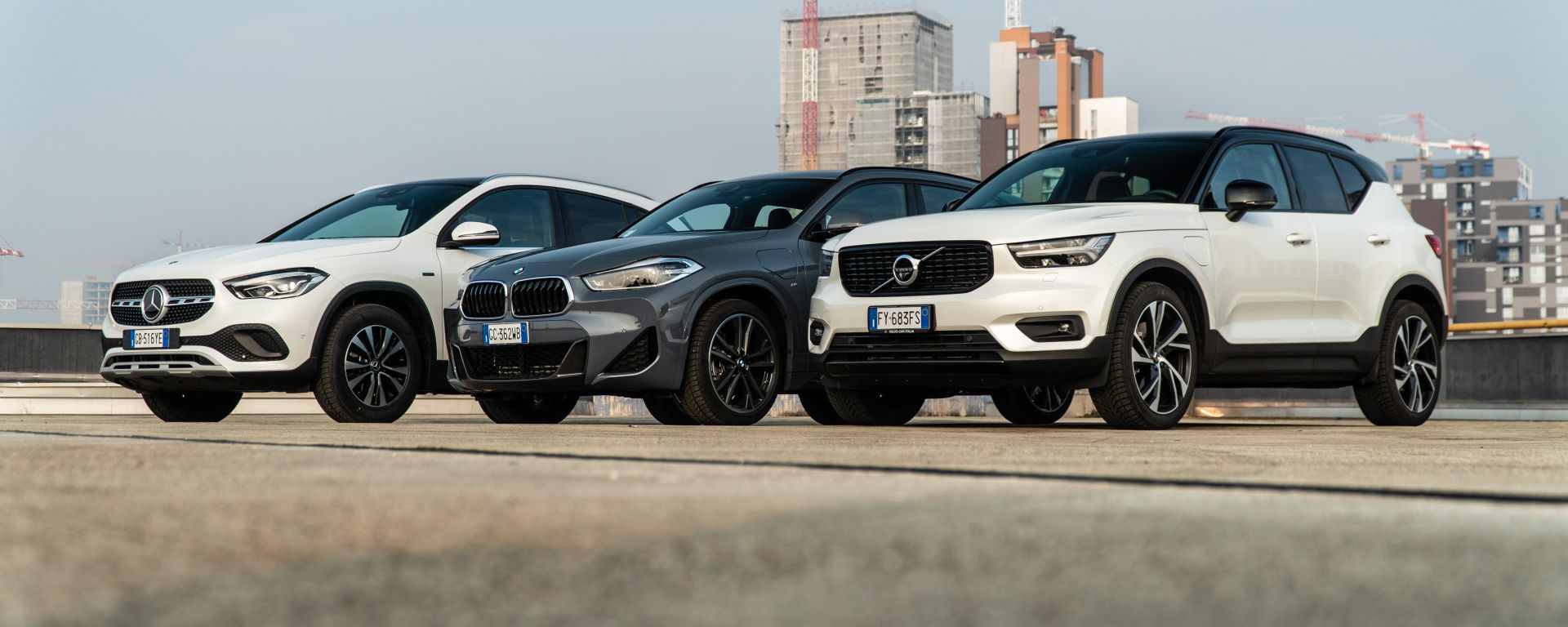 BMW X2 vs Mercedes GLA vs Volvo XC40: i suv compatti premium... alla spina!