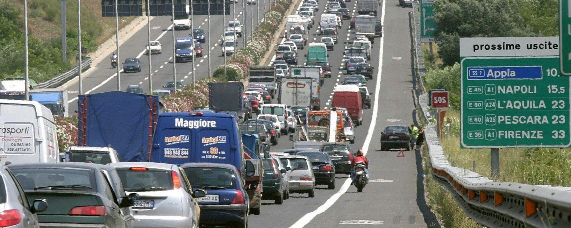 Comune situazione di traffico stradale