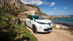 Con la Renault Zoe di Sicily by Car e le colonnine ENEL si può girare la Sicilia in elettrico