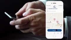 Con un'app, è possibile inviare direttamente la propria posizione tramite GPS