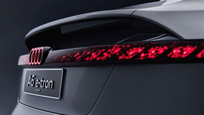 Concept Audi A6 e-tron: fari posteriori a OLED