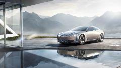 Concept della BMW i4, prevista per il 2021