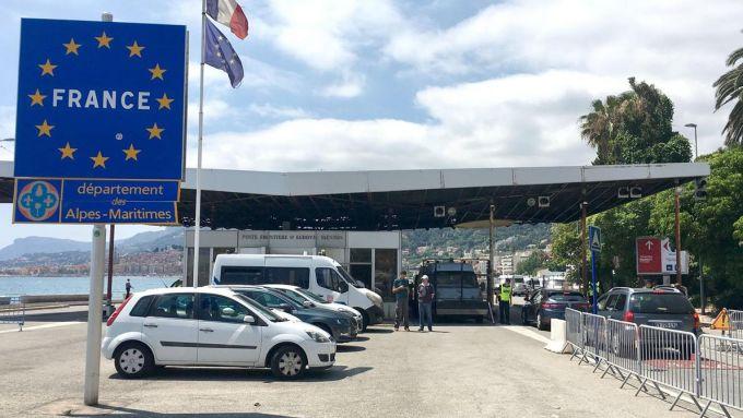 Confine Italia-Francia, transito libero