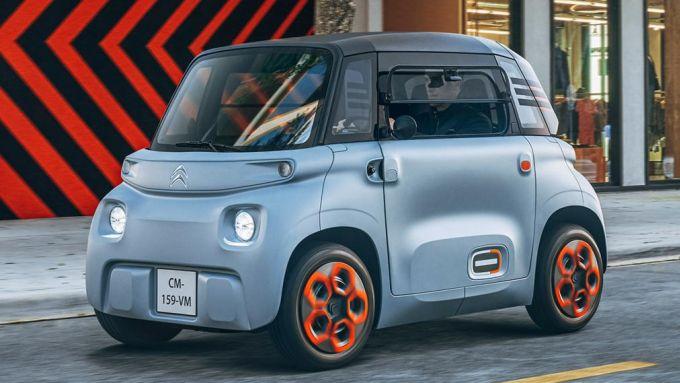 Confronto mobilità elettrificata: la piccola Citroen AMI 100% electric