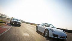 Porsche 911 Carrera 4 Cabrio VS Ford Mustang 5.0 Cabrio  - Immagine: 6