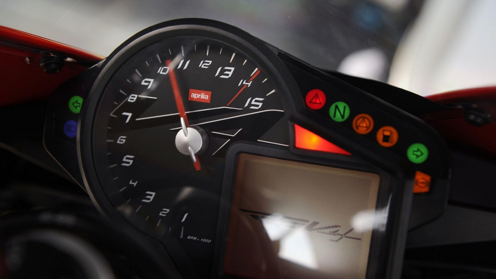 Immagine 46: Al Mugello con le 1000 Superbike 2011