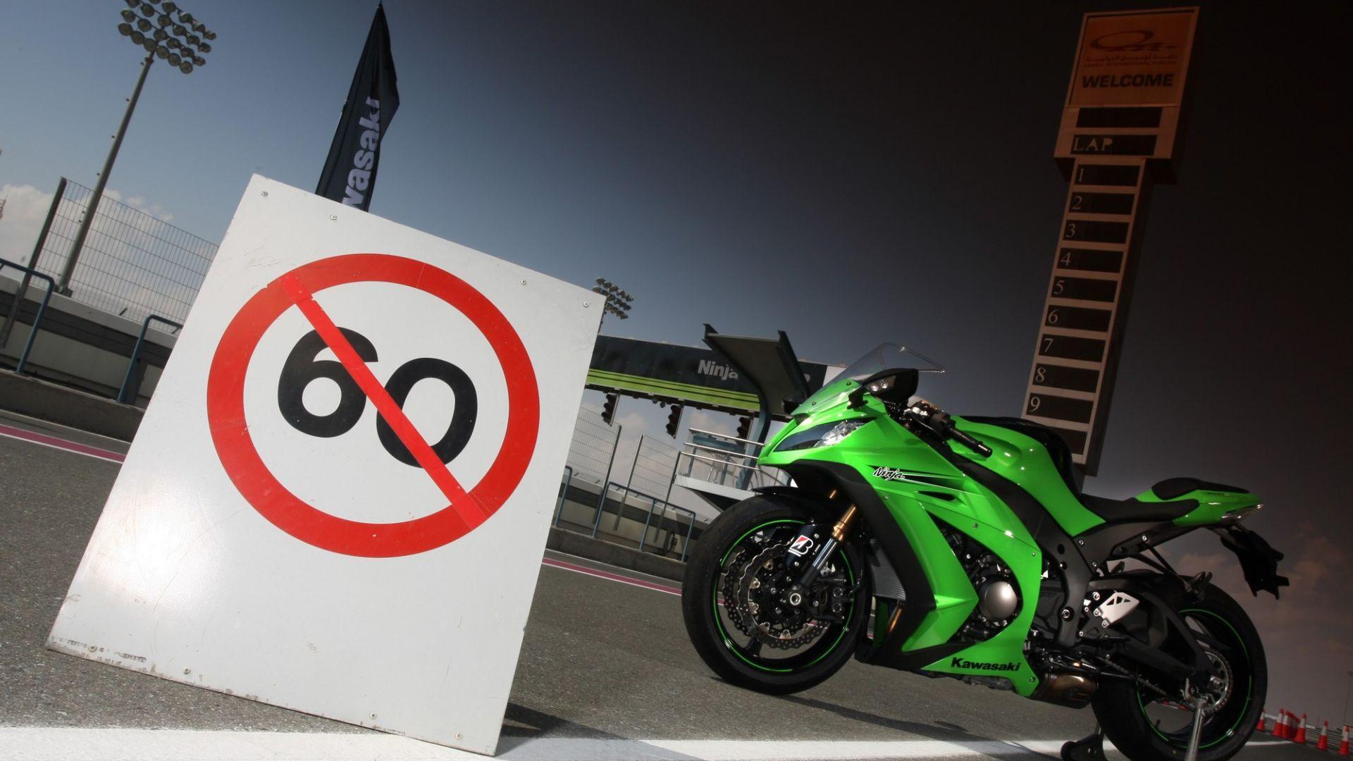 Immagine 65: Al Mugello con le 1000 Superbike 2011
