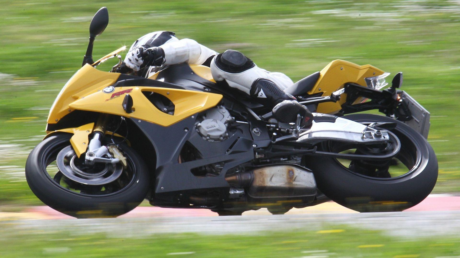 Immagine 20: Al Mugello con le 1000 Superbike 2011