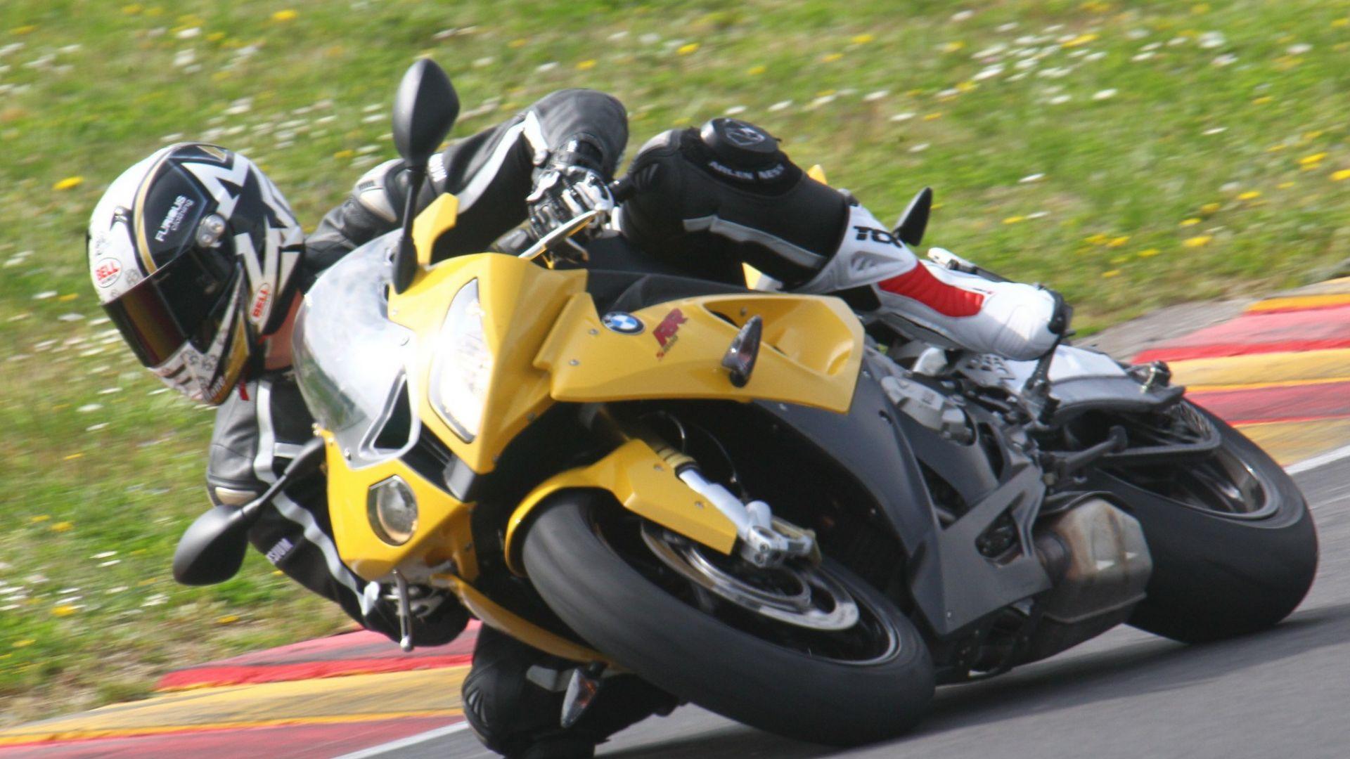 Immagine 19: Al Mugello con le 1000 Superbike 2011
