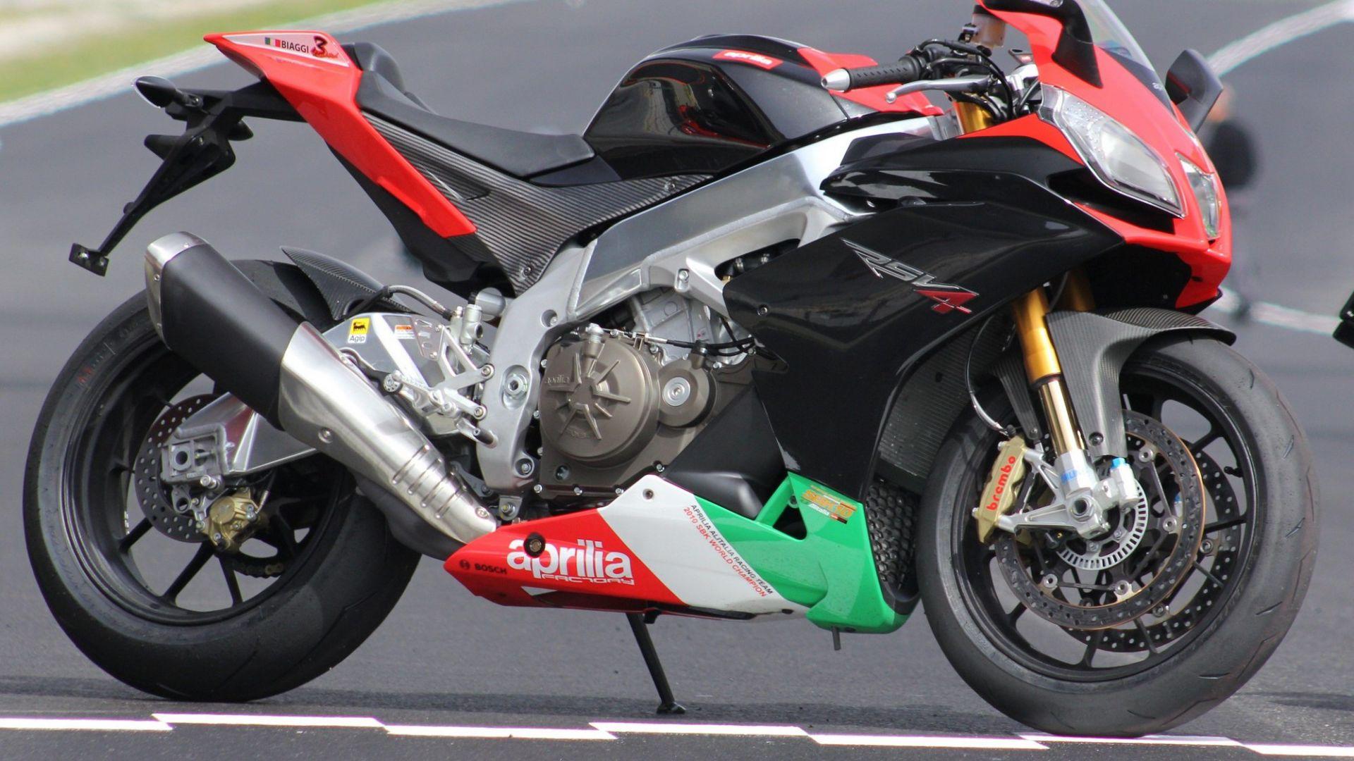 Immagine 18: Al Mugello con le 1000 Superbike 2011