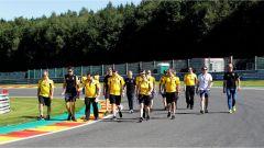Consueta ricognizione a piedi del circuito fatta dal Team Renault F1 - GP Belgio 2016