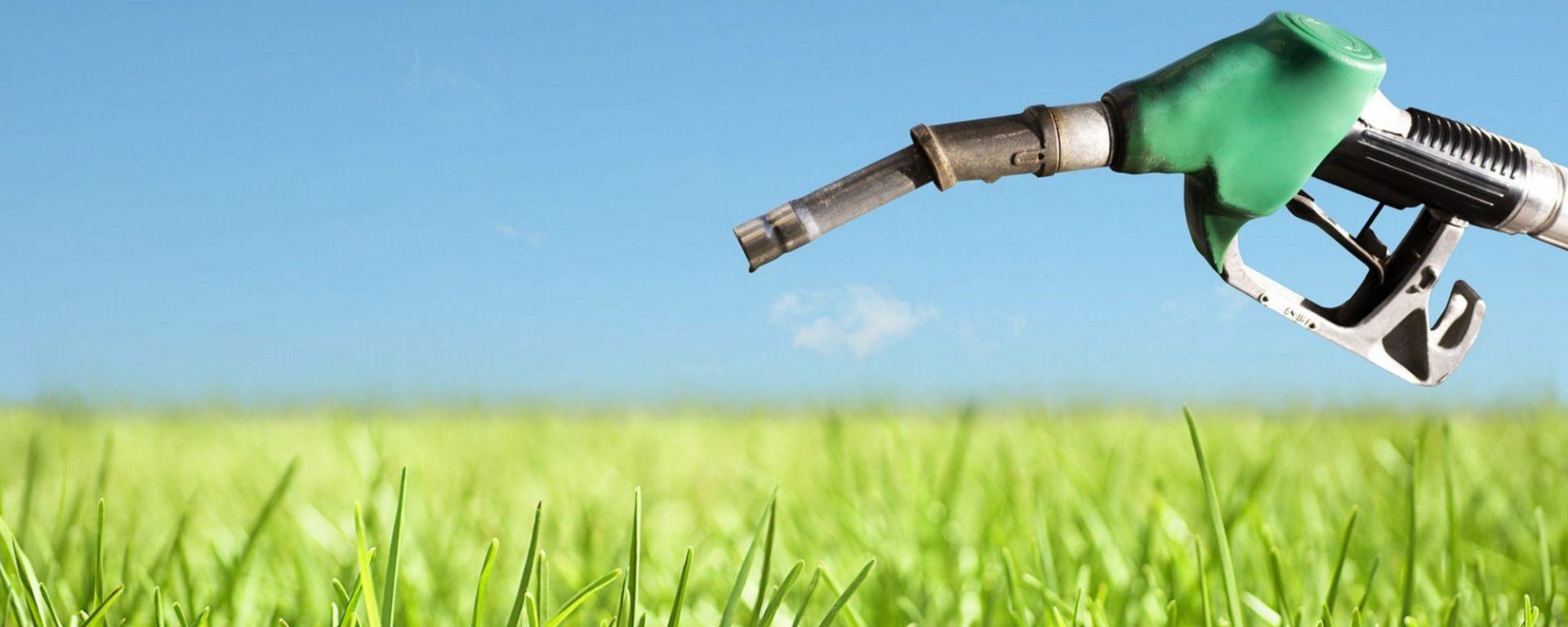 Consumi auto, in 10 anni i motori endotermici hanno compiuto progressi enormi
