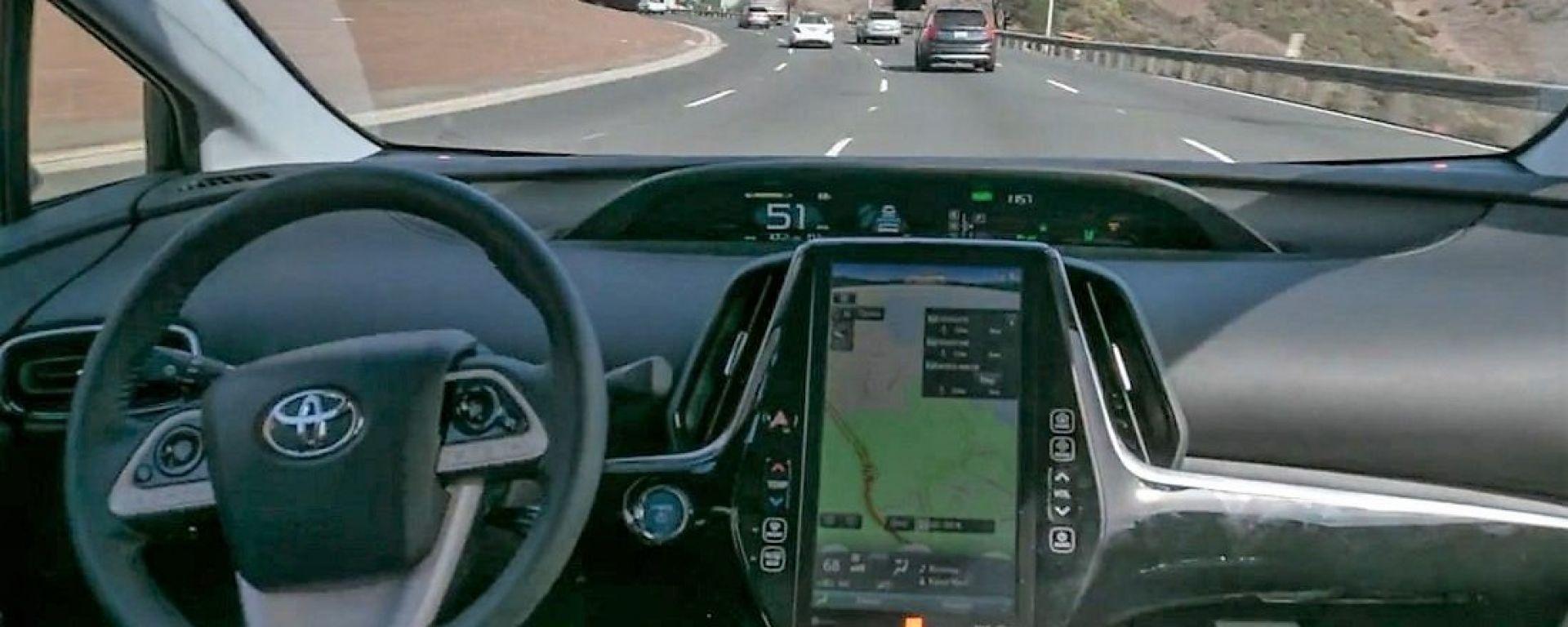 Copilot dio Pronto A.I.: il sistema di guida autonoma aftermarket su una Toyota Prius