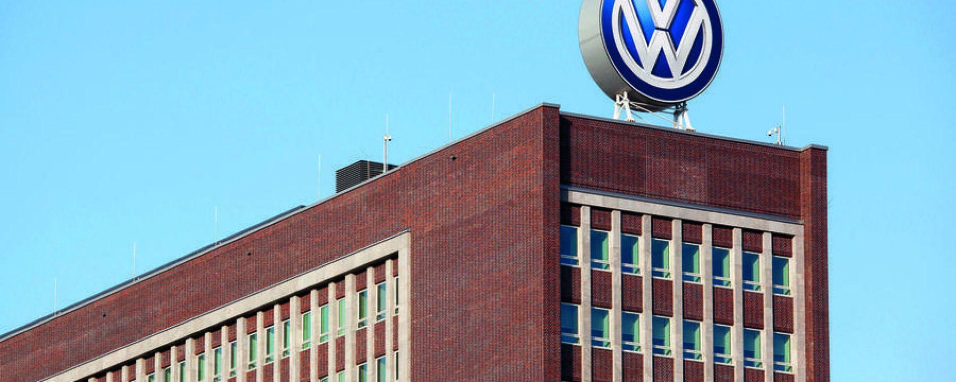 Coronavirus: da venerdì anche Volkswagen si ferma in Europa