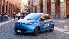 Corrente, car sharing elettrico a Bologna con Renault Zoe