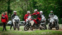 Corso Ducati DRE Enduro: si fa esercizio per imparare la guida in piedi