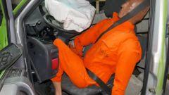 Crash test: le cinture sono importanti dietro? Il video - Immagine: 2
