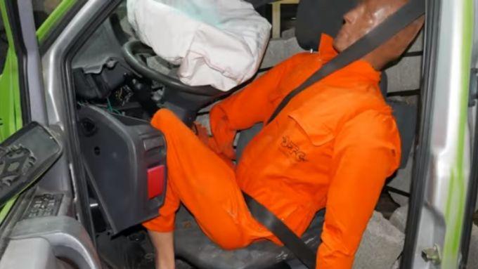 Crash test: questo quel che capita al conducente del van