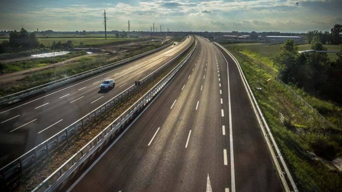 Crisi auto, a marzo vuote anche le autostrade